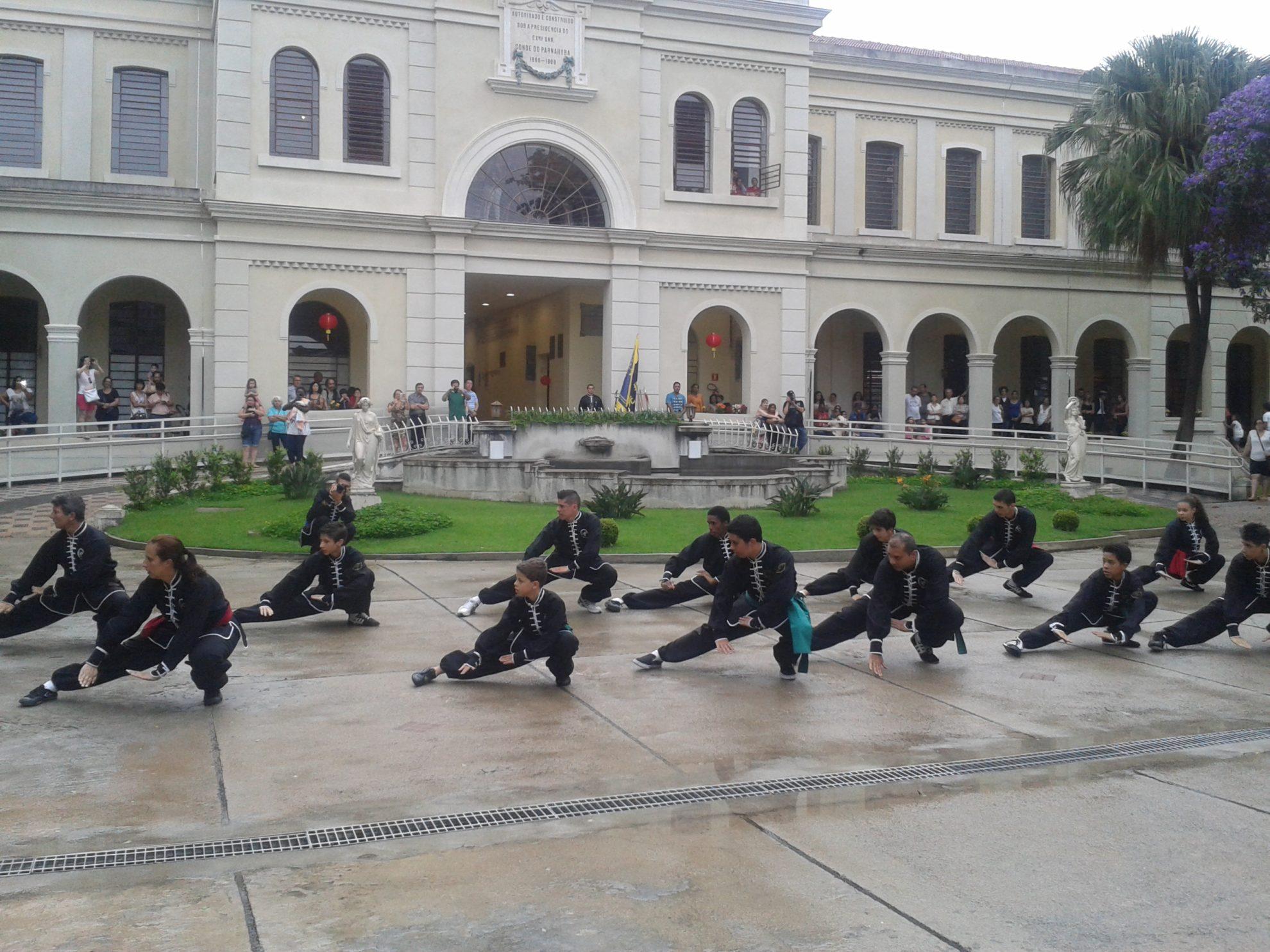Mesmo com chuva, público acompanhou as atividades no Museu da Imigração. Crédito: Rodrigo Borges Delfim