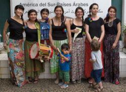Música para estreitar laços: mulheres migrantes são chamadas a tomar parte na lakita