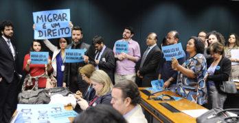 Comissão especial da Câmara aprova nova Lei de Migração; entidades alertam para tentativas de enfraquecer o texto