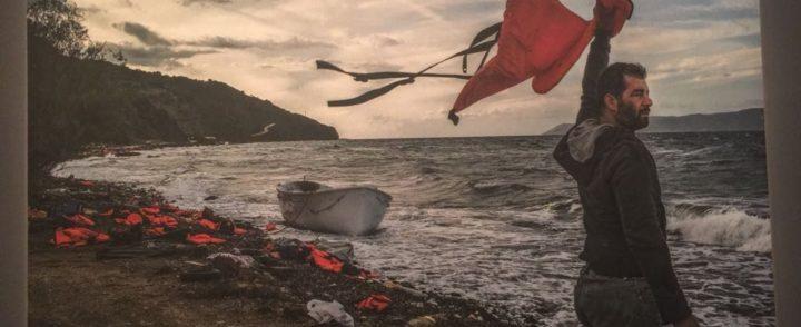 Fotógrafo brasileiro mostra jornada de refugiados do Oriente Médio para a Europa