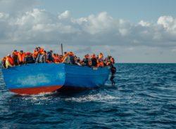 A crise humanitária é filha do crime humanitário