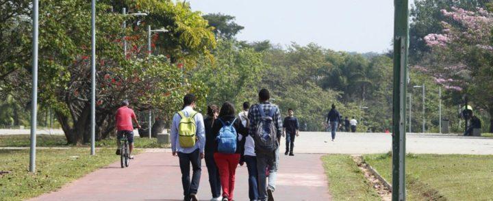 Estudantes além das fronteiras