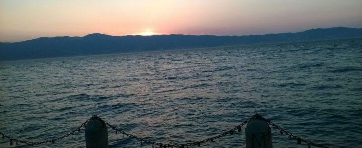 Após aval da UE, Itália aprova restrições a resgates de migrantes no Mar Mediterrâneo