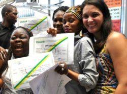 RJ aprova isenção de taxa de revalidação de diplomas de refugiados