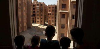 Migrantes e refugiados no Egito enfrentam rejeição e racismo